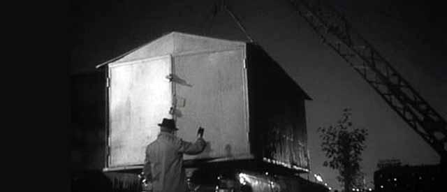 Разборной или транспортируемый гараж из сэндвич-панелей