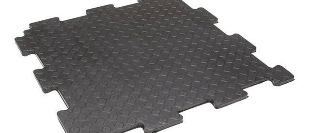 Отделка внутри – напольное покрытие для гаража - резиновые модули