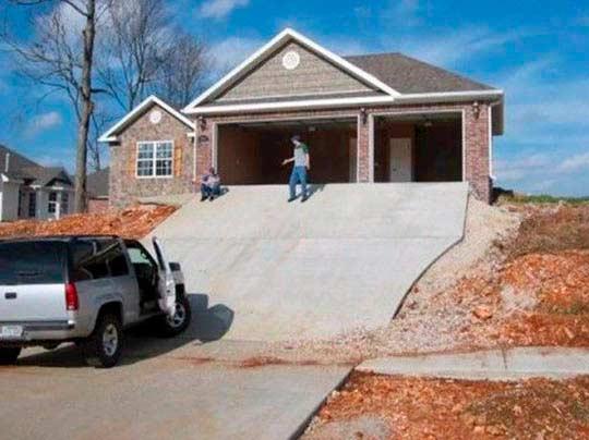 Сделать удобный въезд в гараж не всегда просто