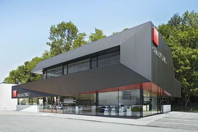 Строить коммерческое, производственное здание, склад или промышленный гараж из сэндвич панелей за рубежом считается нормальной практикой