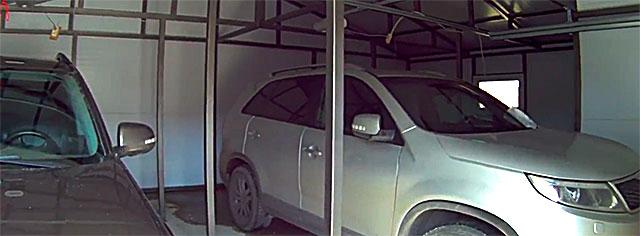 Гараж с хозблоком на 2 машины - колонный по центру повышают прочность и надежность крыши