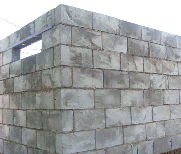стены гаража из шлакоблока
