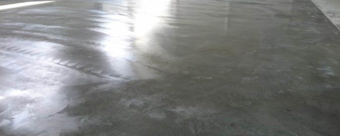 уплотнение бетонного пола в гараже