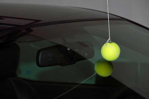 Идеи обустройства гаража - яркий мячик подскажет вам когда нужно остановиться