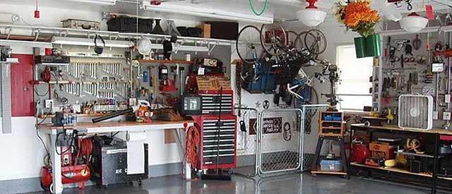 Необычные идеи, как обустроить гараж внутри