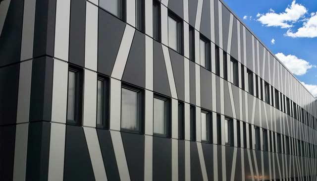 Из сэндвич-панелей строят красивые и современные промышленные и коммерческие здания