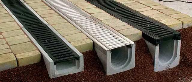 Про водоотвод нужно подумать перед тем, как строить гараж из сэндвич-панелей