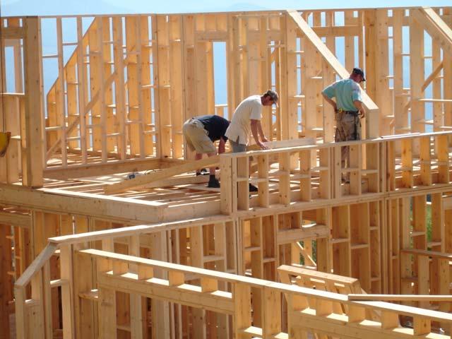 Построить каркасный гараж или дом можно с помощью простых ручных инструментов