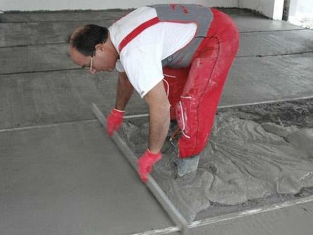 Выравнивание стяжки в гараже