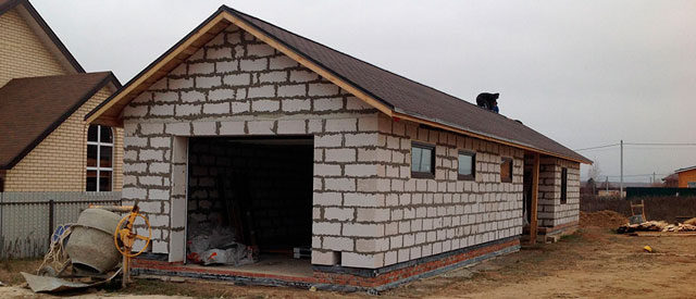 Построить гараж из пеноблоков под ключ или делать самому
