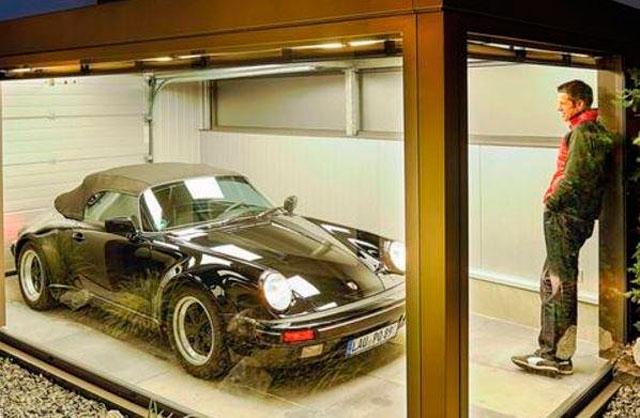 Прозрачный гараж