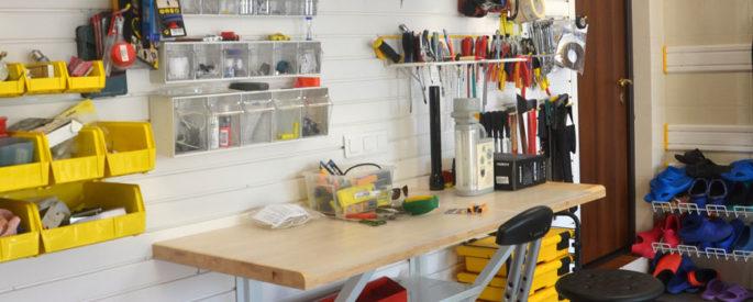 рабоче место в гараже