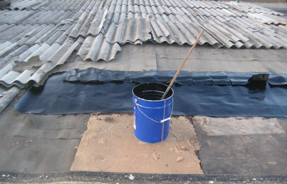 заделать щель на крыше
